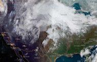 Hundreds of Flights Canceled As 'Historic Springtime Snowstorm' Heads for Central U.S.